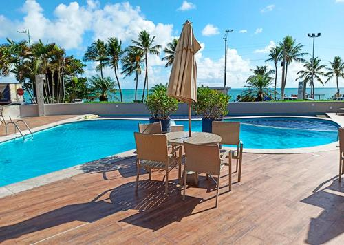 The swimming pool at or close to Maceió Mar Hotel