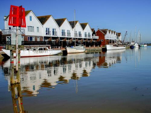 17 The Boathouse, Rye