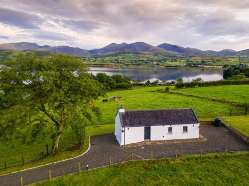 Lough Island Reavy Cottage