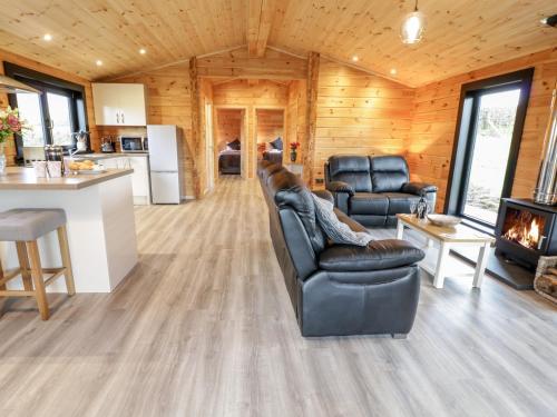 Bryn Eiddon Log Cabin