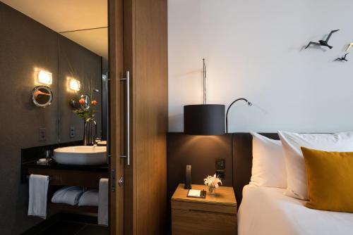 A bathroom at Bürgenstock Hotels & Resort - Palace Hotel