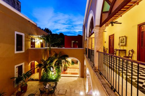A balcony or terrace at Hotel Boutique Casa Don Gustavo