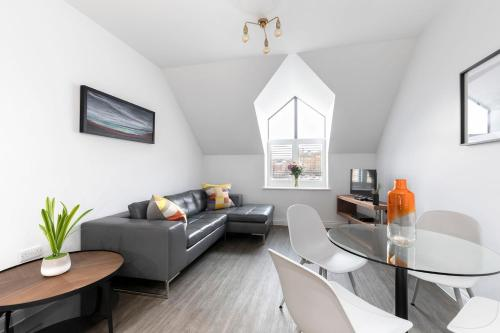 2 Bedroom Loft Style Apartment in The Docks