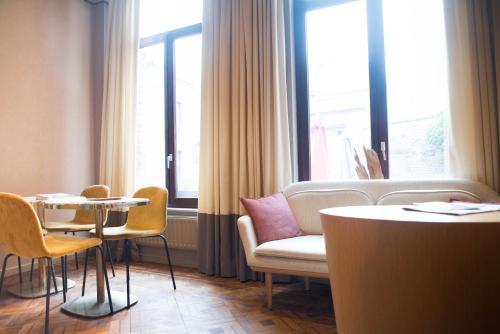 Een zitgedeelte bij Hotel d'Alcantara