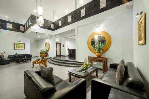 Hall o reception di The Radiant Hotel & Spa