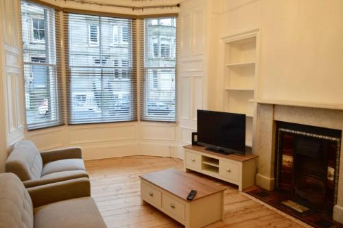 Bright and Modern Flat In The Centre of Edinburgh
