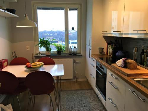 A kitchen or kitchenette at Cosy apartment close to the nature and city