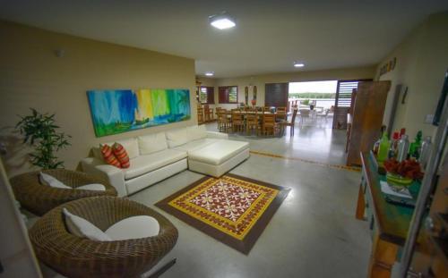The lobby or reception area at CASA LAGOA - Praia do Frances