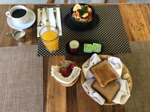 Breakfast options available to guests at Casa De Sierra Azul