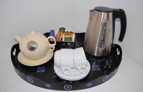 Coffee and tea-making facilities at Hotel 't Witte Huys Scheveningen