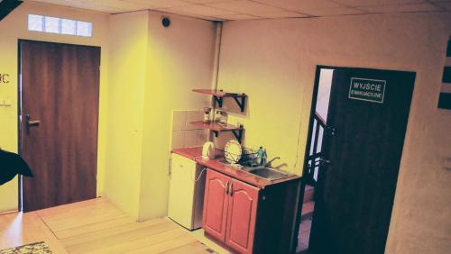 Kuchnia lub aneks kuchenny w obiekcie Hostel Baza 15