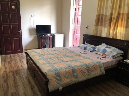 SPOT ON 915 Duy Hung Motel near Saigon Optical hospital