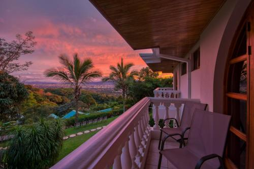 A balcony or terrace at Buena Vista Chic Hotel