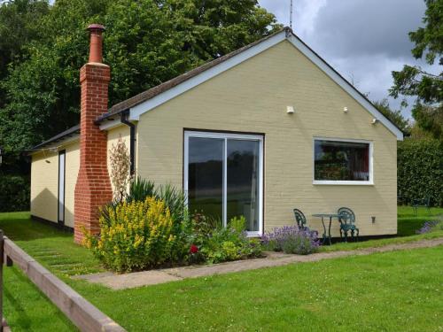 Cozy Holiday Home in Tunbridge Wells Kent amidst Woods