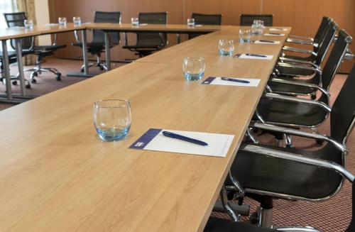 The business area and/or conference room at Holiday Inn Express Birmingham Star City