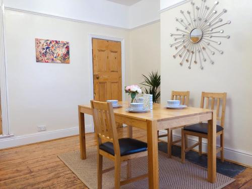 Lovely 3 beds house 6 guests King beds