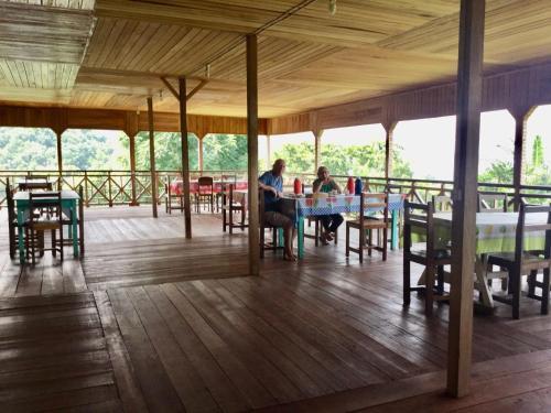 Ein Restaurant oder anderes Speiselokal in der Unterkunft Roça Monte Forte