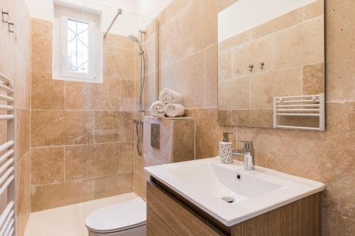 Salle de bains dans l'établissement DIFY Coeur de Lyon - Part Dieu