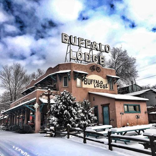 Buffalo Lodge Bicycle Resort - Amazing access to local trails & the Garden during the winter