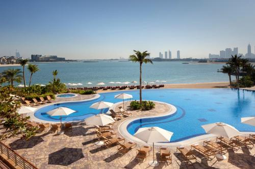 A view of the pool at Andaz by Hyatt – Palm Jumeirah Residences or nearby
