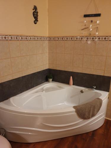 A bathroom at B&B Mirage