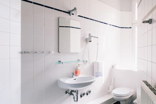 A bathroom at St Christopher's Inn Berlin Alexanderplatz