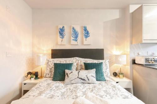 12 Helena Luxury Serviced Apartment