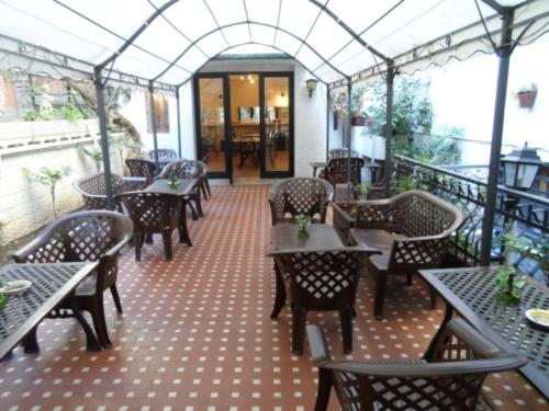 A restaurant or other place to eat at Hotel Paisiello Parioli