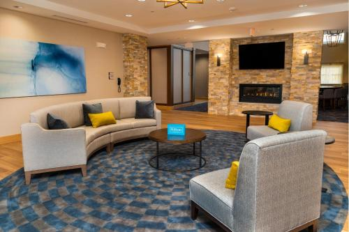 The lounge or bar area at Homewood Suites By Hilton Rancho Cordova, Ca