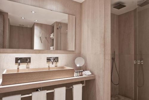 A bathroom at The Margi