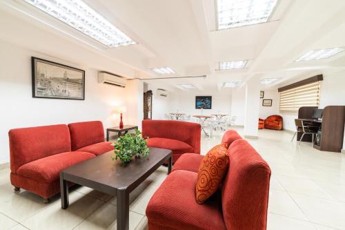 Zona de estar de Hotel del Rey