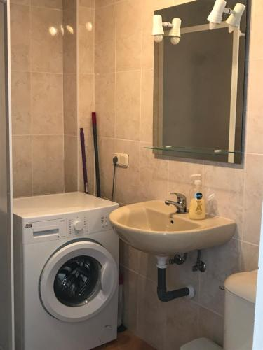 A bathroom at 14 Avenida Marysol, Benalmadena,Costa del Sol.