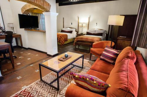 A seating area at Porta Hotel Antigua