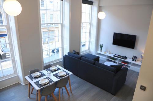 New Modern city centre apartment