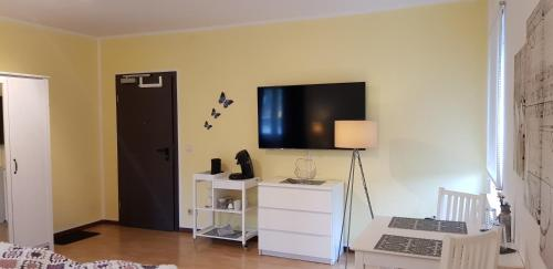 A television and/or entertainment center at Westerwaldhotel Dernbach