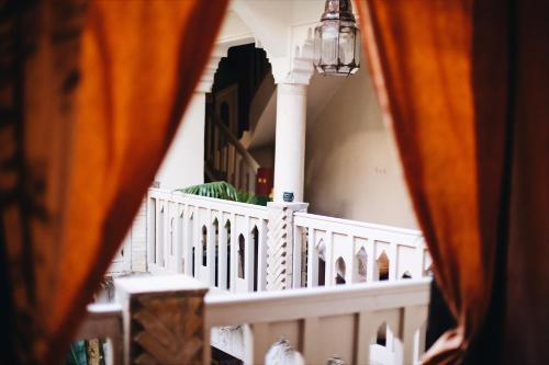 A balcony or terrace at Riad Nomades