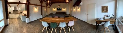 Ein Restaurant oder anderes Speiselokal in der Unterkunft Ferienhof Altes Land