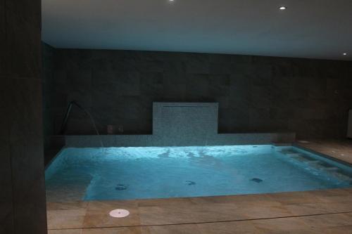 A piscina em ou perto de Sesmarias Turismo Rural & SPA