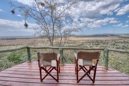 A balcony or terrace at Mbali Mbali Soroi Serengeti Lodge