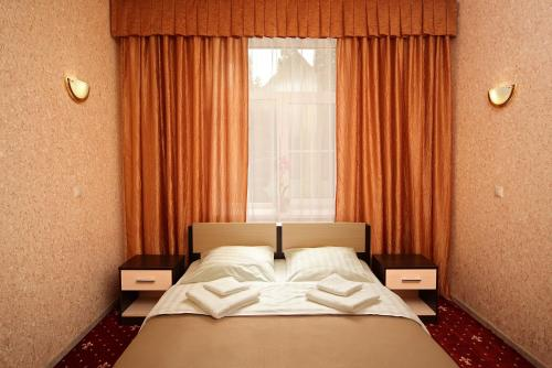 A bed or beds in a room at Air by DPH