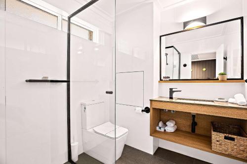 A bathroom at Comfort Inn City Centre Armidale