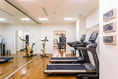 The fitness center and/or fitness facilities at Hotel Milano Scala