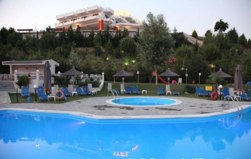 Πισίνα στο ή κοντά στο Ξενοδοχείο Ακροπόλ