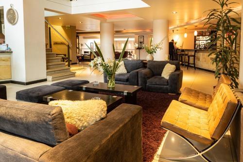 Un lugar para sentarse en Hotel Crans Montana