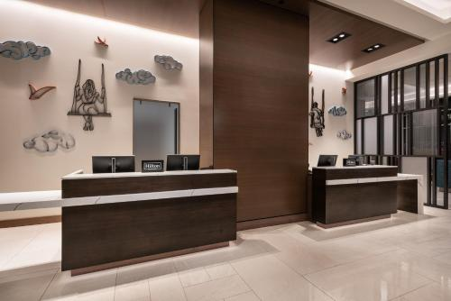 The lobby or reception area at Home2 Suites By Hilton Denver Downtown Convention Center