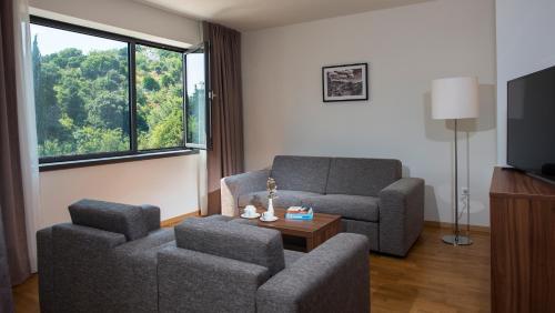 A seating area at Premium Apartments Srebreno