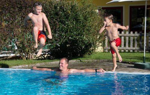 Children staying at Hotel Sommerhof