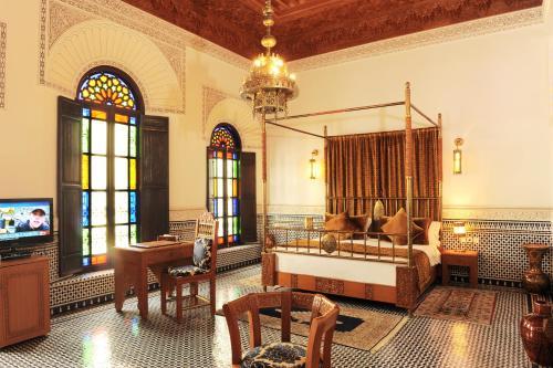 Un restaurante o sitio para comer en Riad El Amine Fes