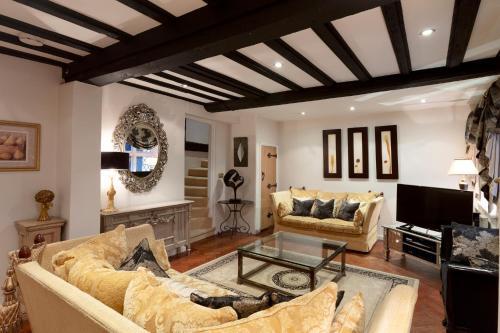 Luxury Eton House, 5 minute walk to Windsor Castle, FREE PARKING