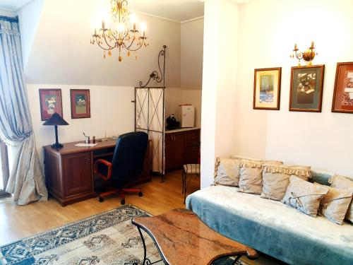 Posedenie v ubytovaní Penzion a Restauracia Toldi